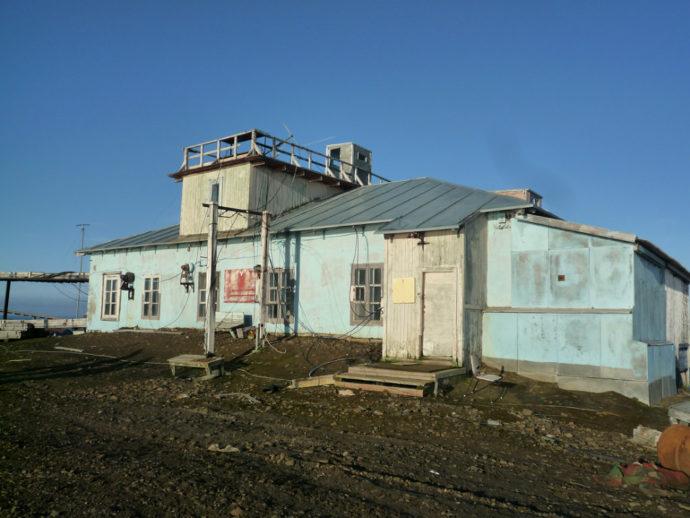 Бывший домик радиостанции бывшей обсерватории Острова Хейса