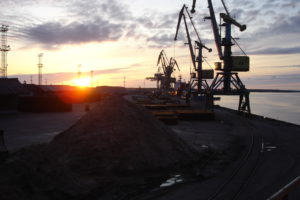 http://churun.ru/wp-content/uploads/2017/02/Zakat_port-YEkonomiya-300x200.jpg