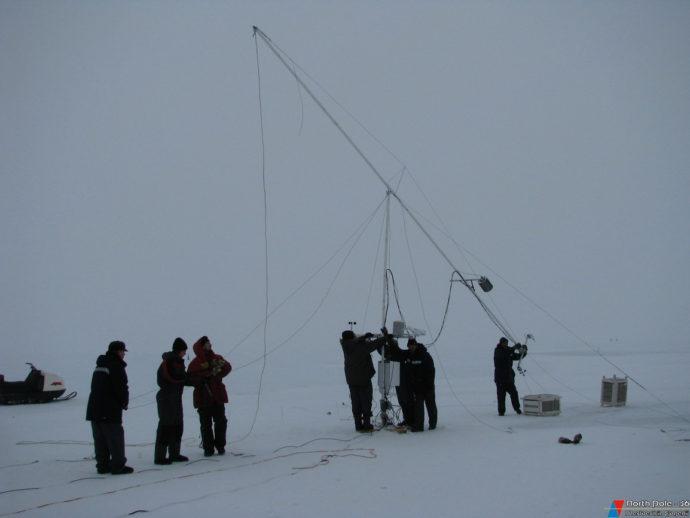 Коллективная работа с метеорологической мачтой