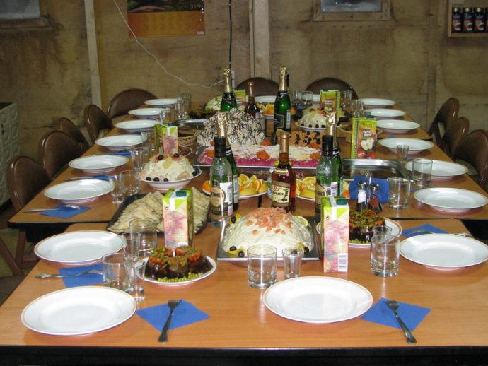 Праздничный стол ко дню рождения