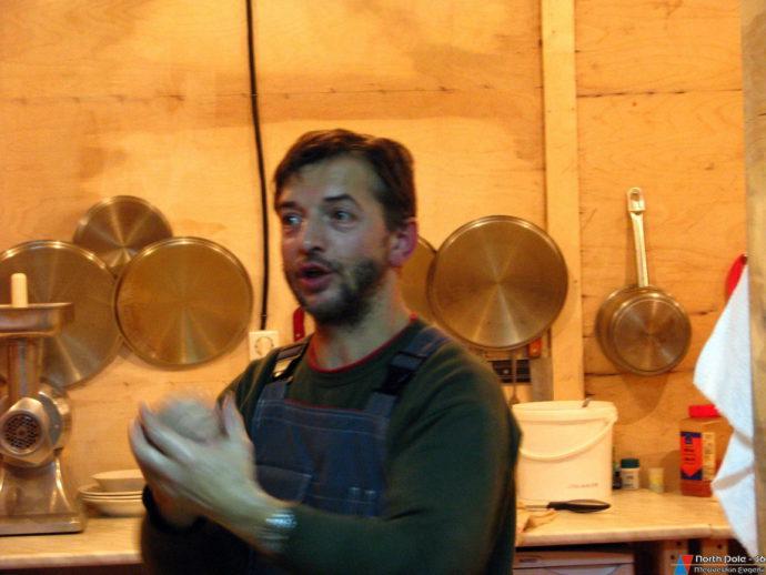 Хозяин камбуза – шеф-повар В. Семенов