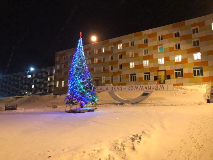 http://churun.ru/wp-content/uploads/2019/01/novogodnyaya-el-v-Barencburge-690x518.jpg