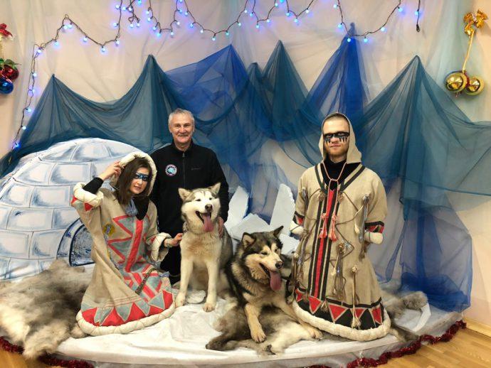 http://churun.ru/wp-content/uploads/2019/01/s-sobachkami-i-kayurami-690x518.jpg